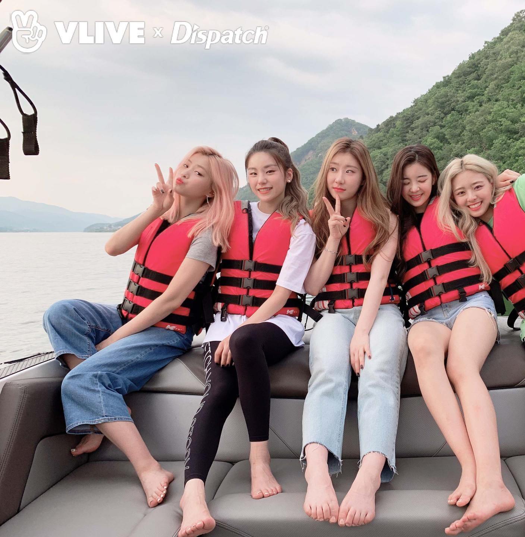 Itzy Ryujin Yeji Chaeryeong And Lia Feet R Kpopfeets Kpopfeets Kpop Fotografi Teman Gambar Teman Selebritas