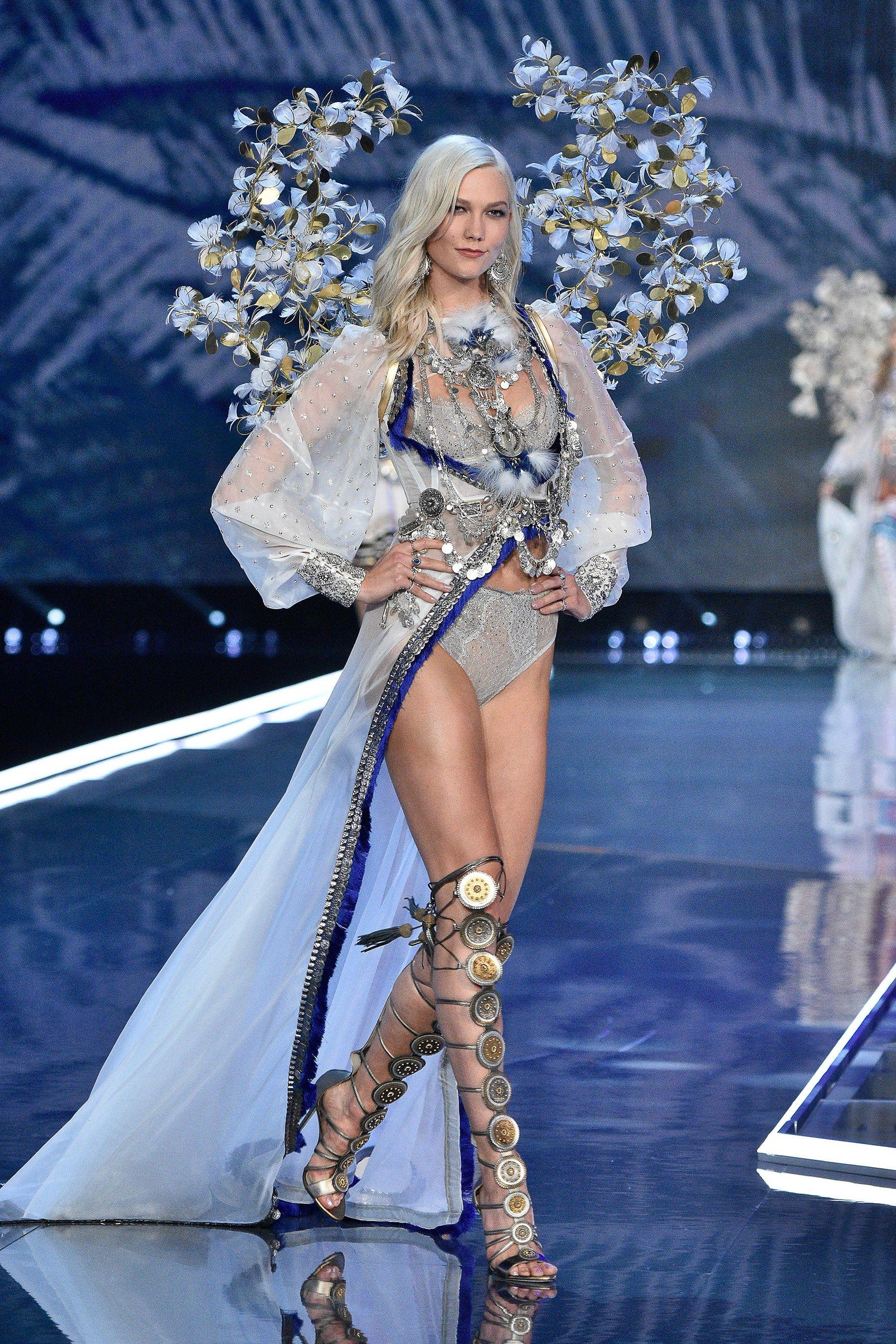 adfdde1d94a Victoria s Secret Fashion Show 2017 - The Impression