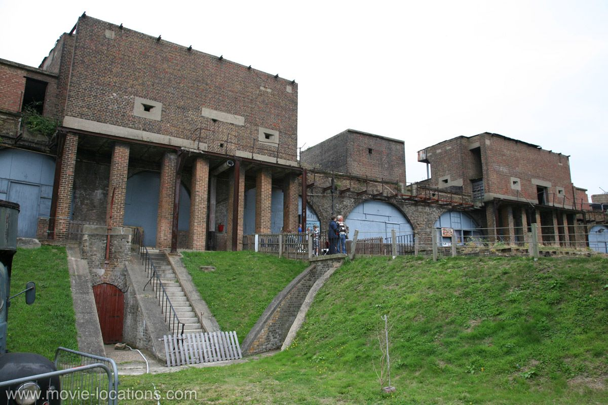 Batman Begins 2005 Coalhouse Fort East Tilbury Essex The Victorian Fortification Built To Protect London Movie Locations Filming Locations Places To Go