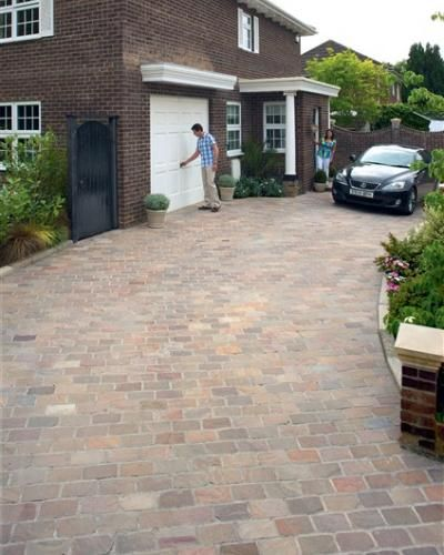 Block paving use different edged block to separate for Soft landscaping ideas