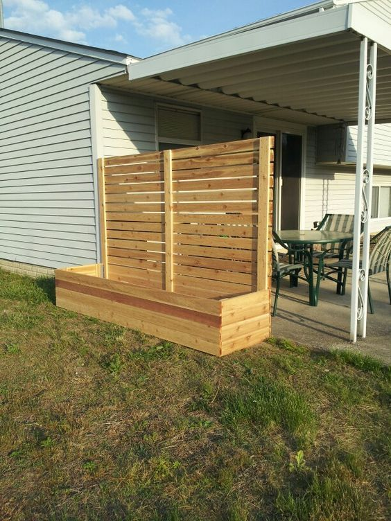 Free standing screen with planter w house pinterest for Wooden garden screen designs