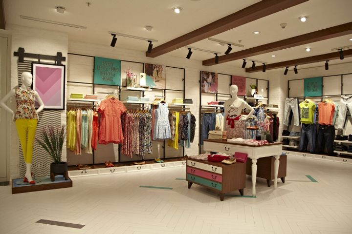 Sharing womans clothing fashion shop design #shopdesign ...