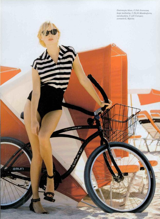 Panties. Hi-Waist Panties. Undies. Shapewear. Brief. Available at http://www.maidenform.com/collections/collections/easy-up/flexees-easy-up-brief-2354?cm_mmc=Pinterest-_-082312-_-Pin-_-EasyUpBrief_mmc=Pinterest-_-082312-_-Pin-_-EasyUpBrief