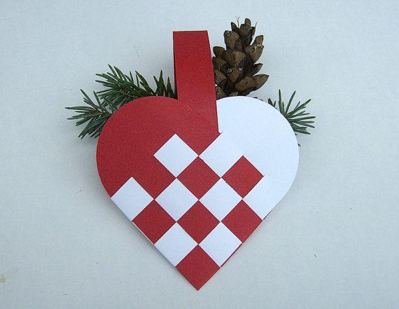 Danish Woven Heart Basket Decoration Set Of 4 Christmas Etsy Paper Christmas Ornaments Scandinavian Christmas Ornaments Paper Christmas Decorations