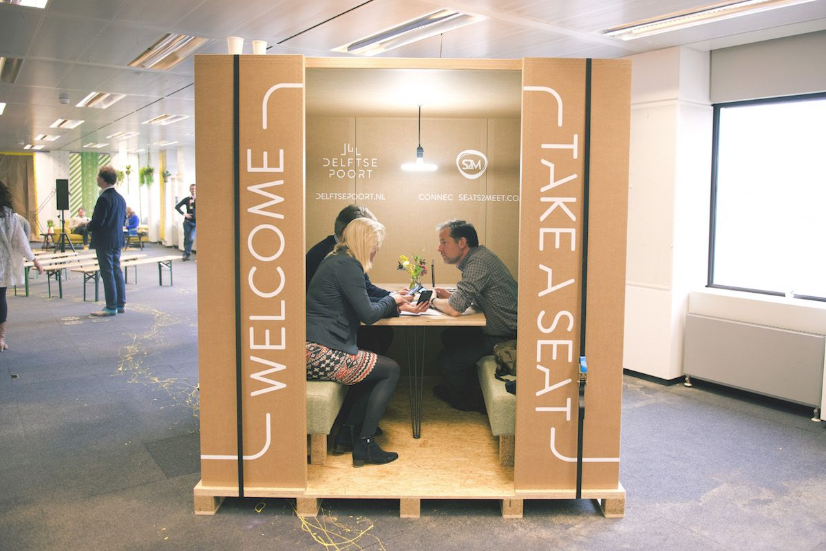 First european pop up coneference start pop up now cardboard booth new meeting room