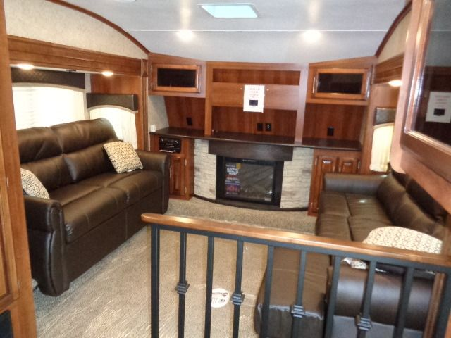 2016 New Jayco 339Flqs Eagle Fifth Wheel In Illinois Il Inspiration Fifth Wheel Campers With Front Living Rooms Decorating Inspiration