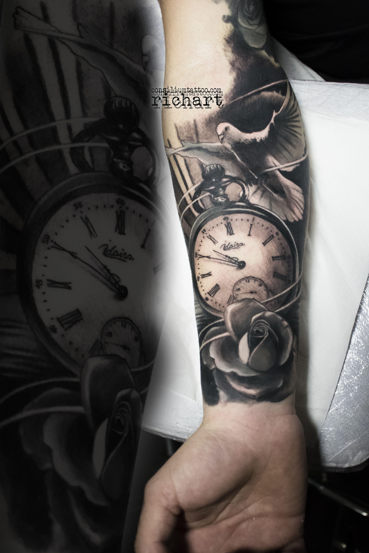 Tattoo Tatuaje En El Brazo De Una Paloma Un Reloj Y Una Rosa Hecho Por Richart More Tatuajes Brazo Tatuaje Reloj De Arena Tatuajes Para Hombres En El Antebrazo