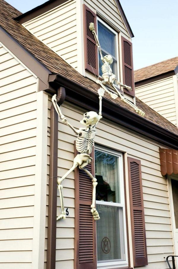 halloween garden decorations ideas with skeletons skulls and bones