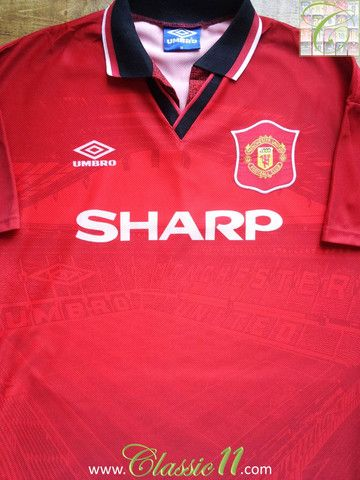 519ee7783 Relive Manchester United 1994/1995 season with this vintage Umbro home  football shirt.