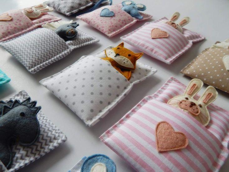 Softies in Schlafsäcken - Camping #sewtoys