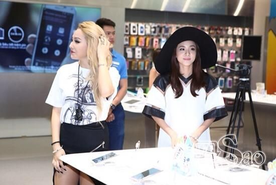 CL x Dara #2NE1inVietnam