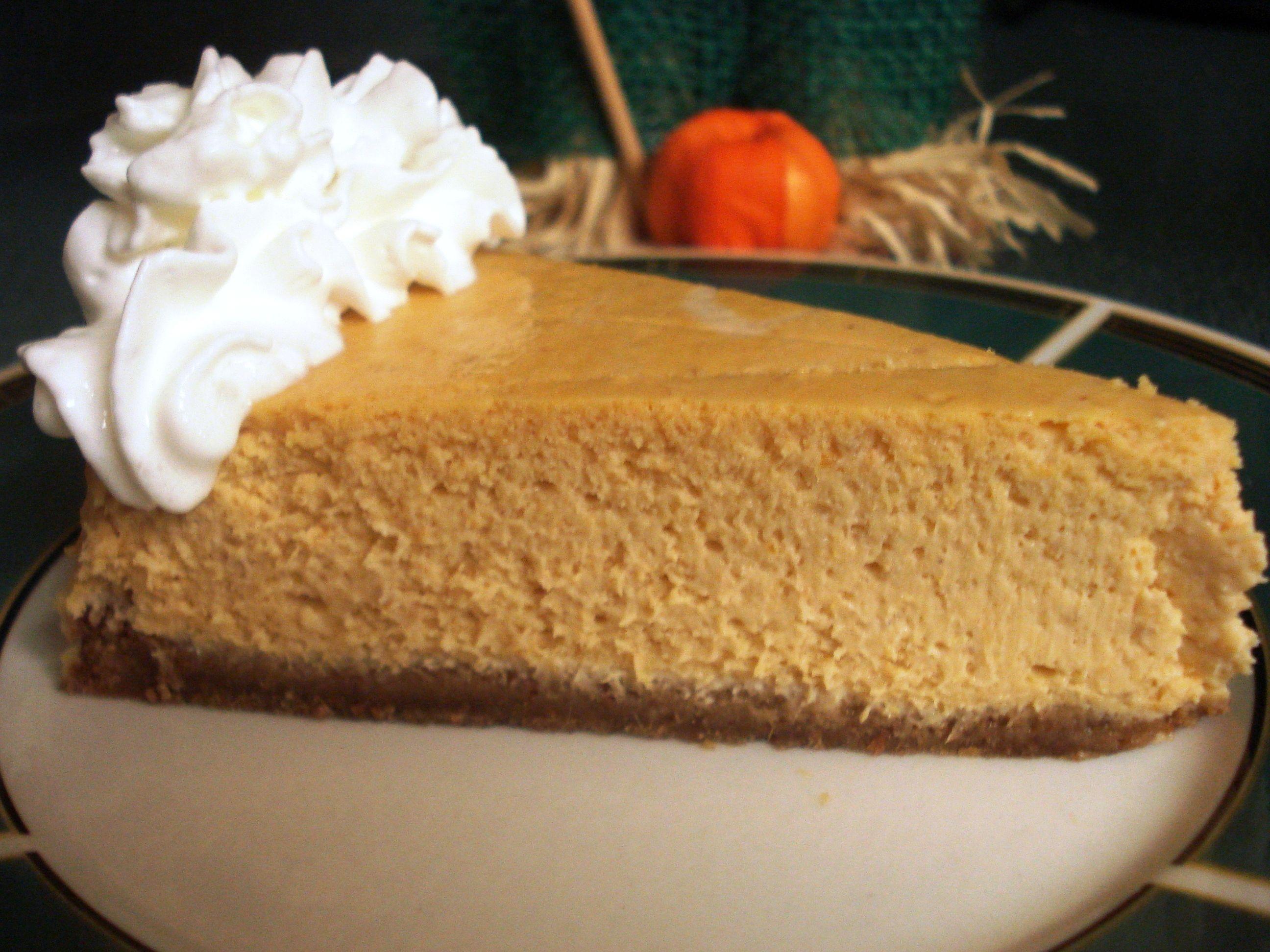Paula Deen's Pumpkin Cheesecake #pumpkincheesecake