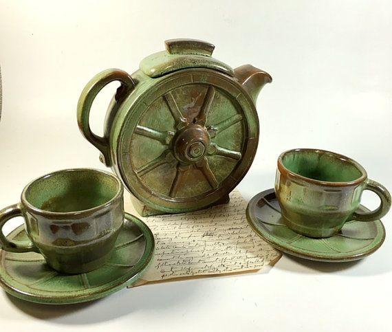 Set of Frankoma Pottery Wagon Wheel Tea Pot and by VintageRerun & Set of Frankoma Pottery Wagon Wheel Tea Pot and Cups Prairie Green ...
