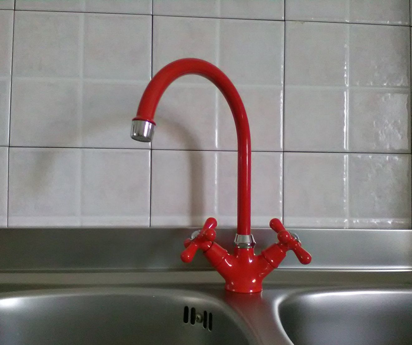 Lavello Cucina In Porcellana rubinetto lavello anni '70 - rubinetto rosso - vintage