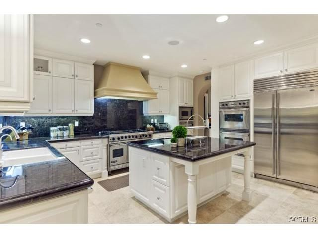 Viking Appliances Enrich The Designer Kitchen At 45 Clouds Point Pleasing Designer Kitchen Decorating Design