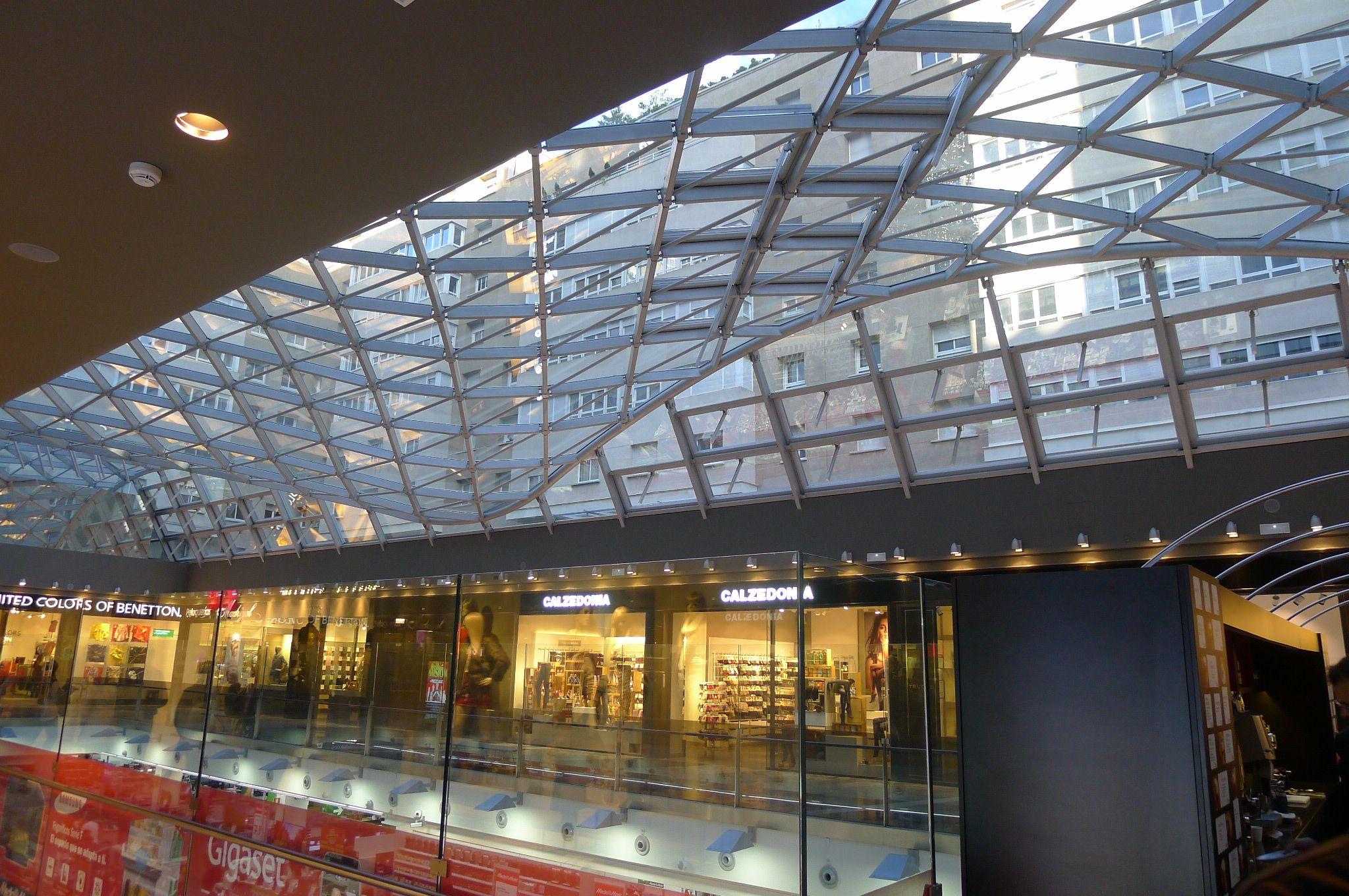 Calzedonia En Paseo Comercial Madrid Con Imagenes Edificios