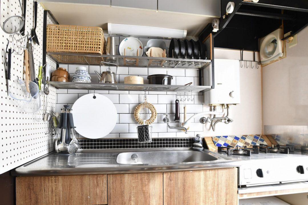 築50年50平米の団地の狭小キッチンだって プチ改造で快適になる キッチンレイアウト リメイクシート キッチン 賃貸 小さなキッチンのレイアウト
