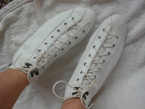 f222272726a86 Ciao 80's white leather lace up boots/size 10 by usedbutnotabused ...