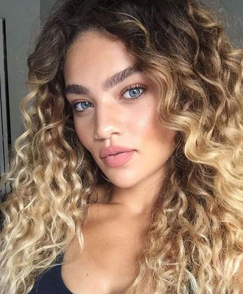 Ombre Blonde Brazilian 100 Remy Human Hair Wigs Curly Lace Front Full Lace Wigs Hotqueen Fullw Ombre Curly Hair Curly Hair Styles Naturally Long Hair Styles
