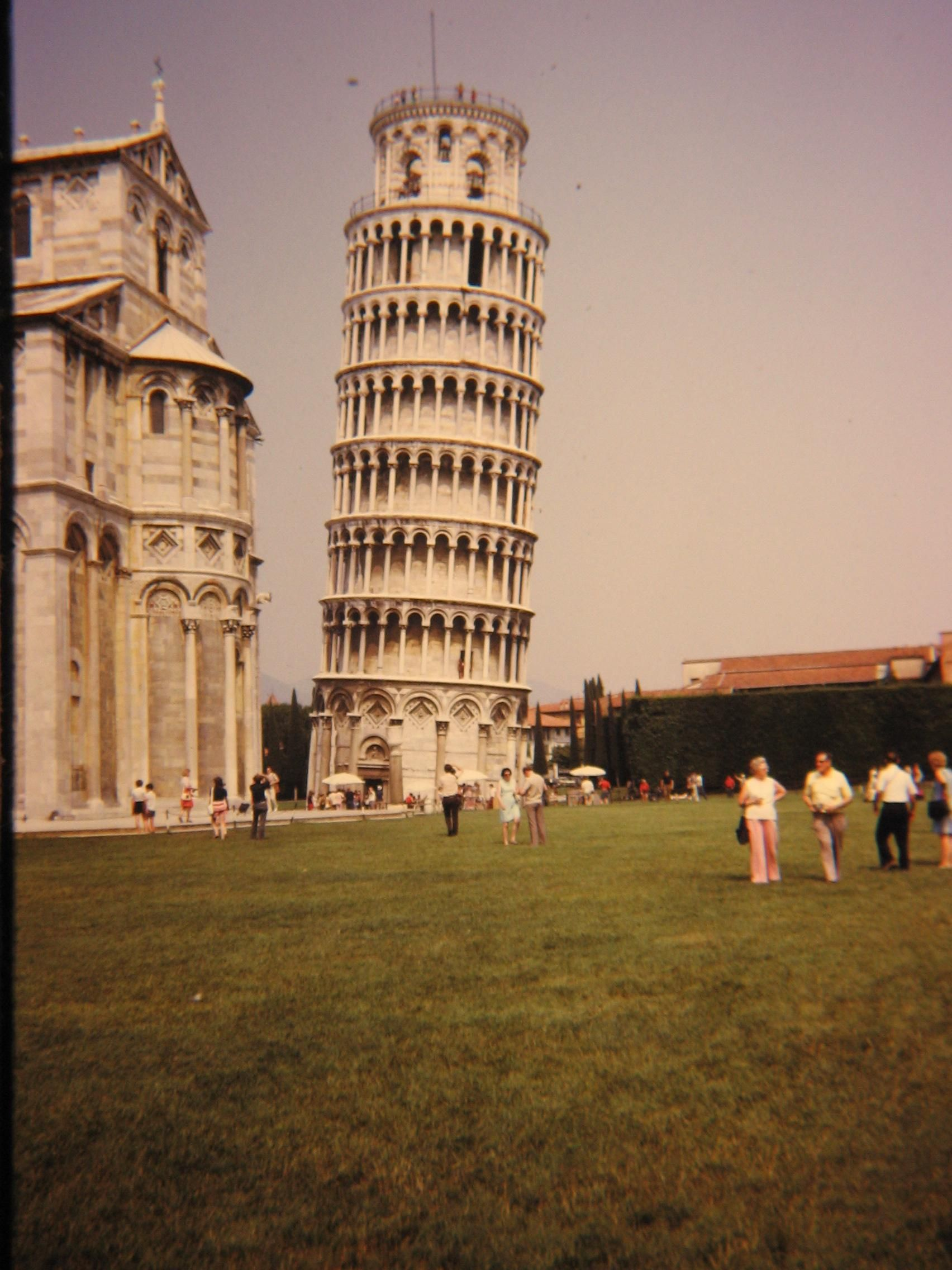 Leaning Tower of Pisa, Italy | Leaning tower of pisa ...