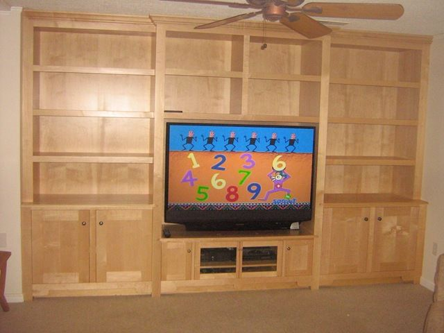 Built In Entertainment Center Would Love To Build A Er Painted Version With Stock Cabinetdf