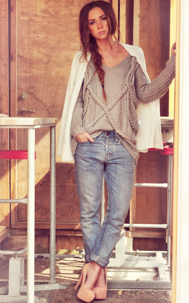 Big knit sweaters and boyfriend jeans for pre fall. The best!