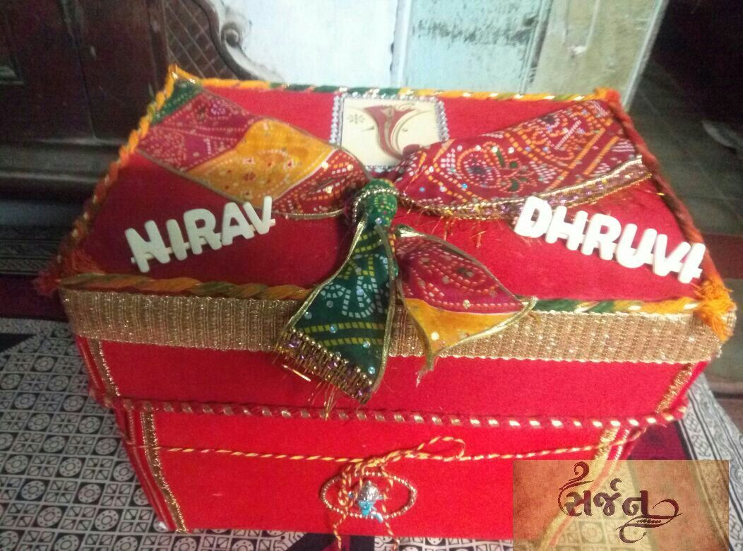 Pin By Janvee Desai On Sarjan By Janvee Anavil Matli Gift Wrapping Gifts Decor