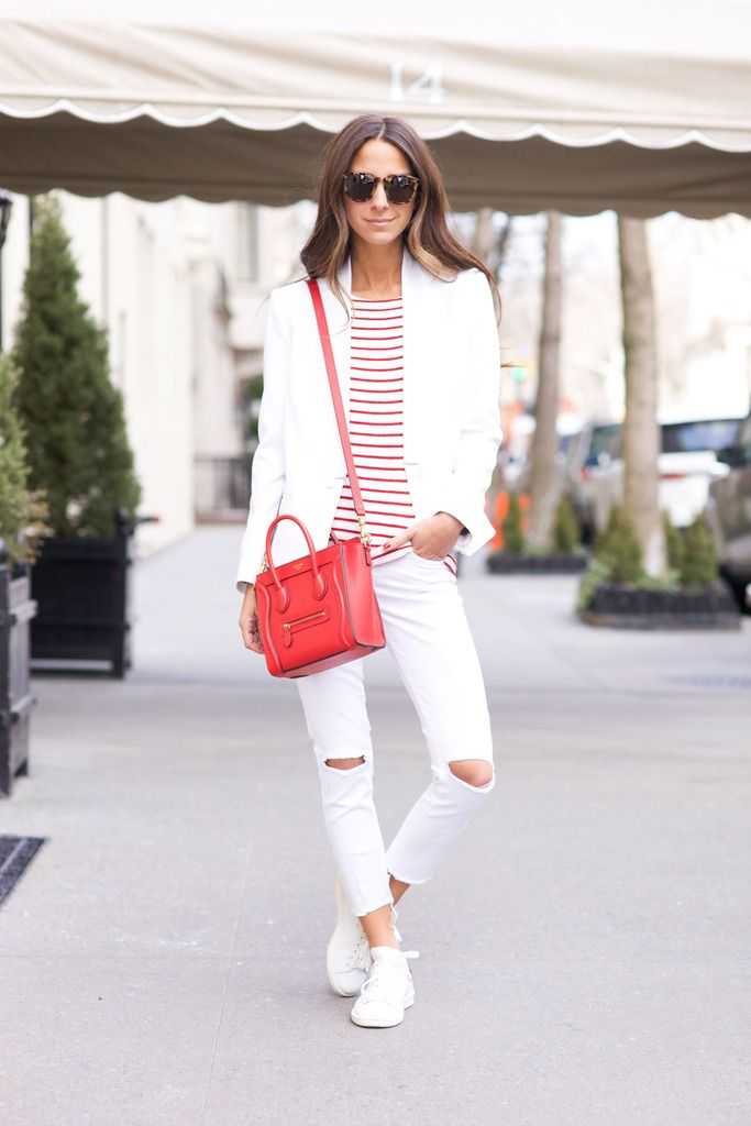 7064eacd330 Summer Outfit Idea  White Jeans - chambray shirt tucked into belted low-rise  white jeans