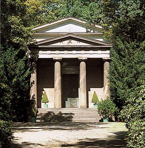 Berlin S Top 10 Schloss Charlottenburg Part 1 Travel Women Programming4 Us Berlin Charlottenburg Mausoleum