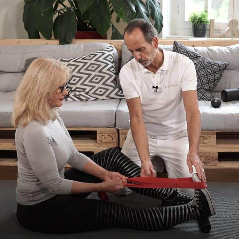 2 Übungen bei Knieschmerzen, die du unbedingt ausprobieren..