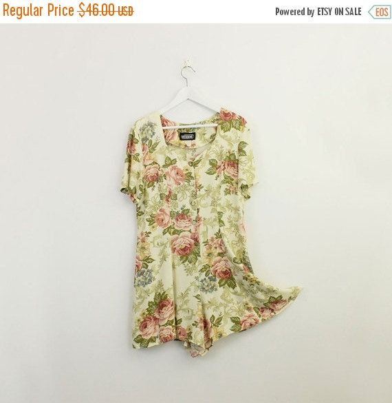 SALE 90s Vintage Cream And Roses Floral Print Cotton by decades