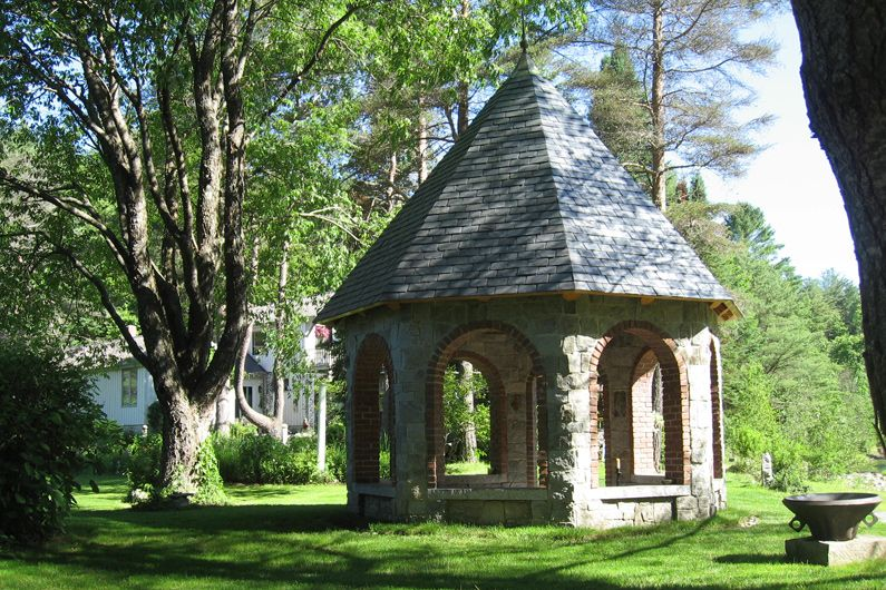Best Stone Gazebo With Slate Roof Vermont Slate Roofs 400 x 300