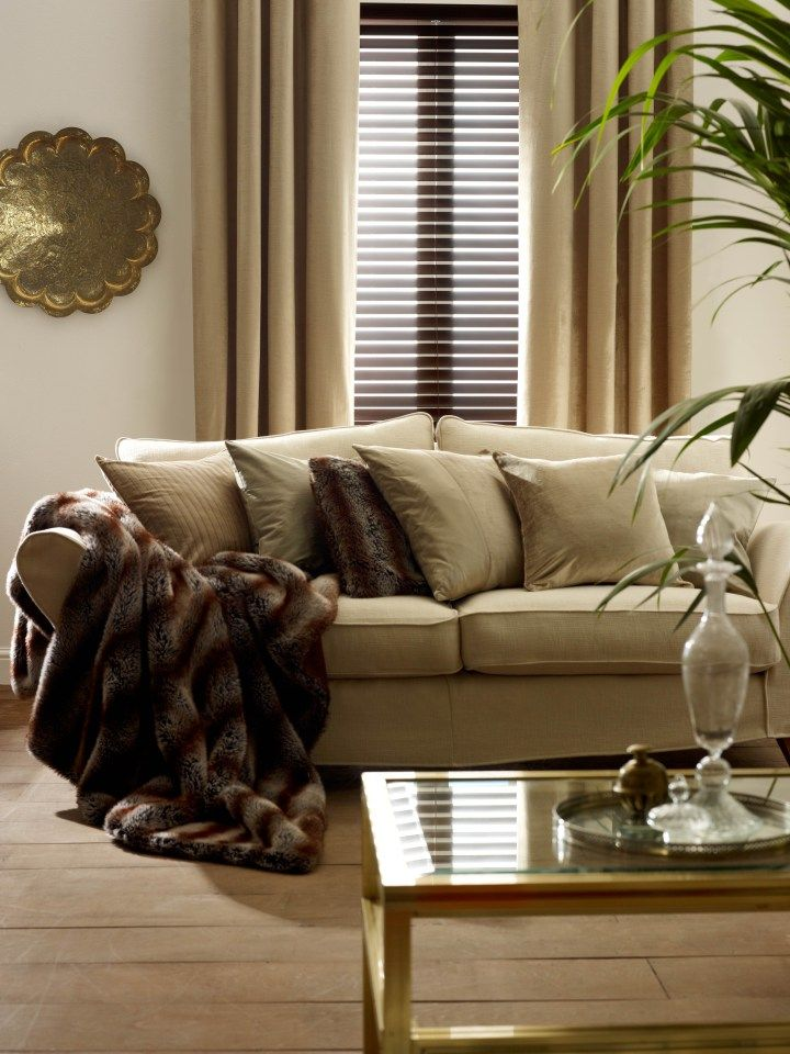 A Stylish Combination Wood Venetian Blinds And Curtains