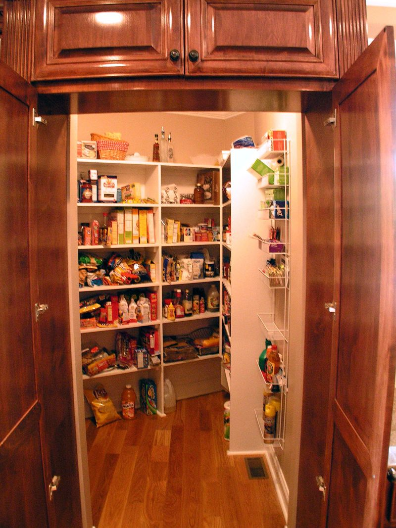 Hidden walk in pantry 2 2 so awesome looking inside the for Modern walk in pantry