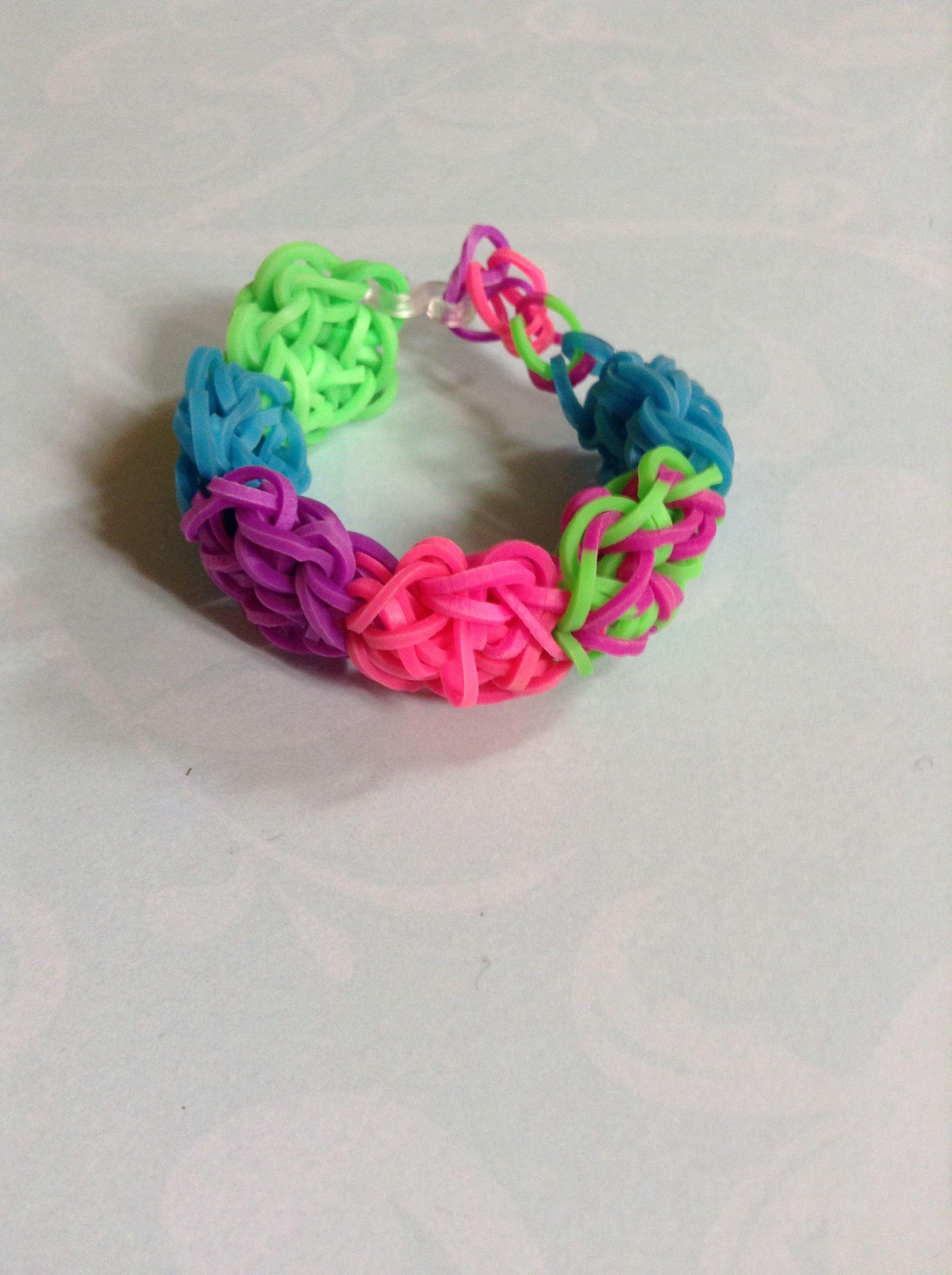 Flower power bracelet By Crafty loomy (rainbowloom.com)