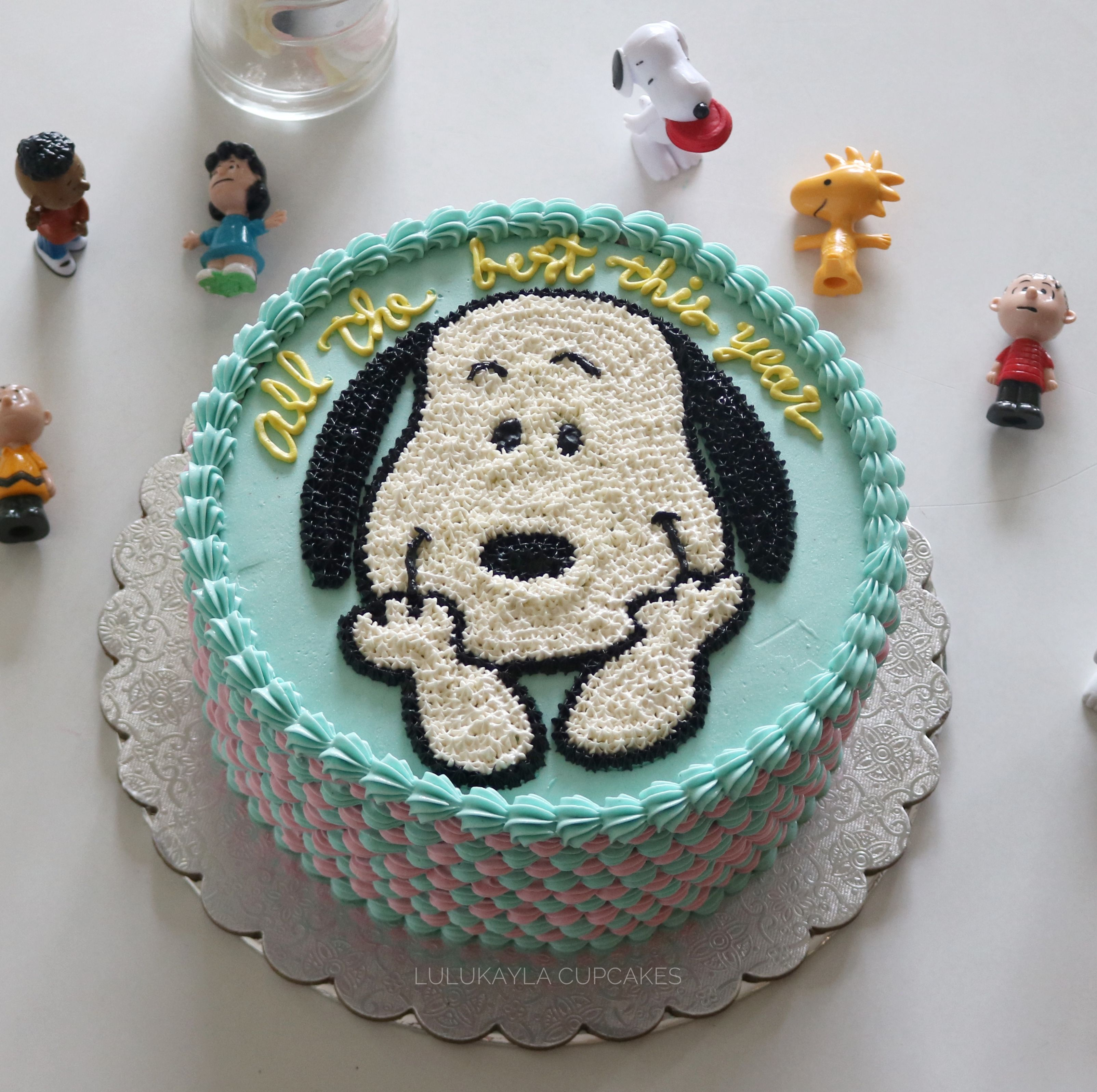 Snoopy Buttercream Cake With Images Snoopy Birthday Cake