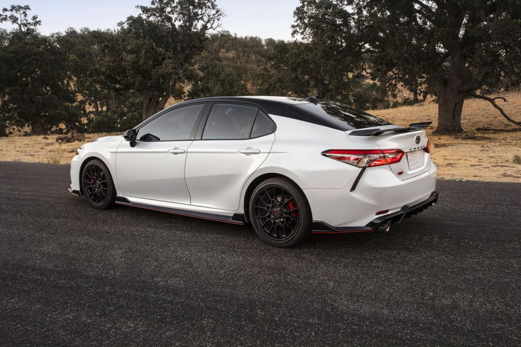 Five Signs Youre In Love With Toyota Xle Premium 2020 Camry Concept Cars Toyota Camry