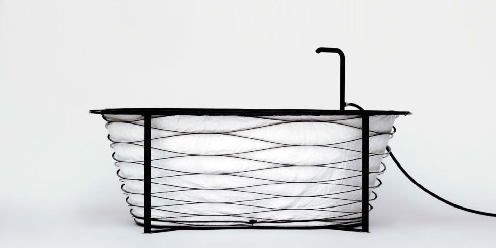 A New Collapsible Bathtub Could Solve All Your Shower Problems ...