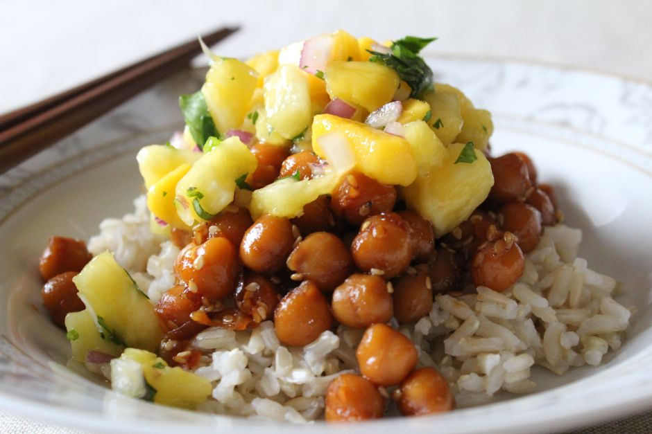 Hawaiian Chickpea Teriyaki, one of my favorite #vegan recipes EVER. Even my husband loves it!