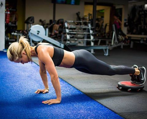 @bondielle training her abs | Avon Australia New Zealand #fitness #health #AvonAUSNZ #Fashion #Style #Fashion #cosmetics #MakeUp