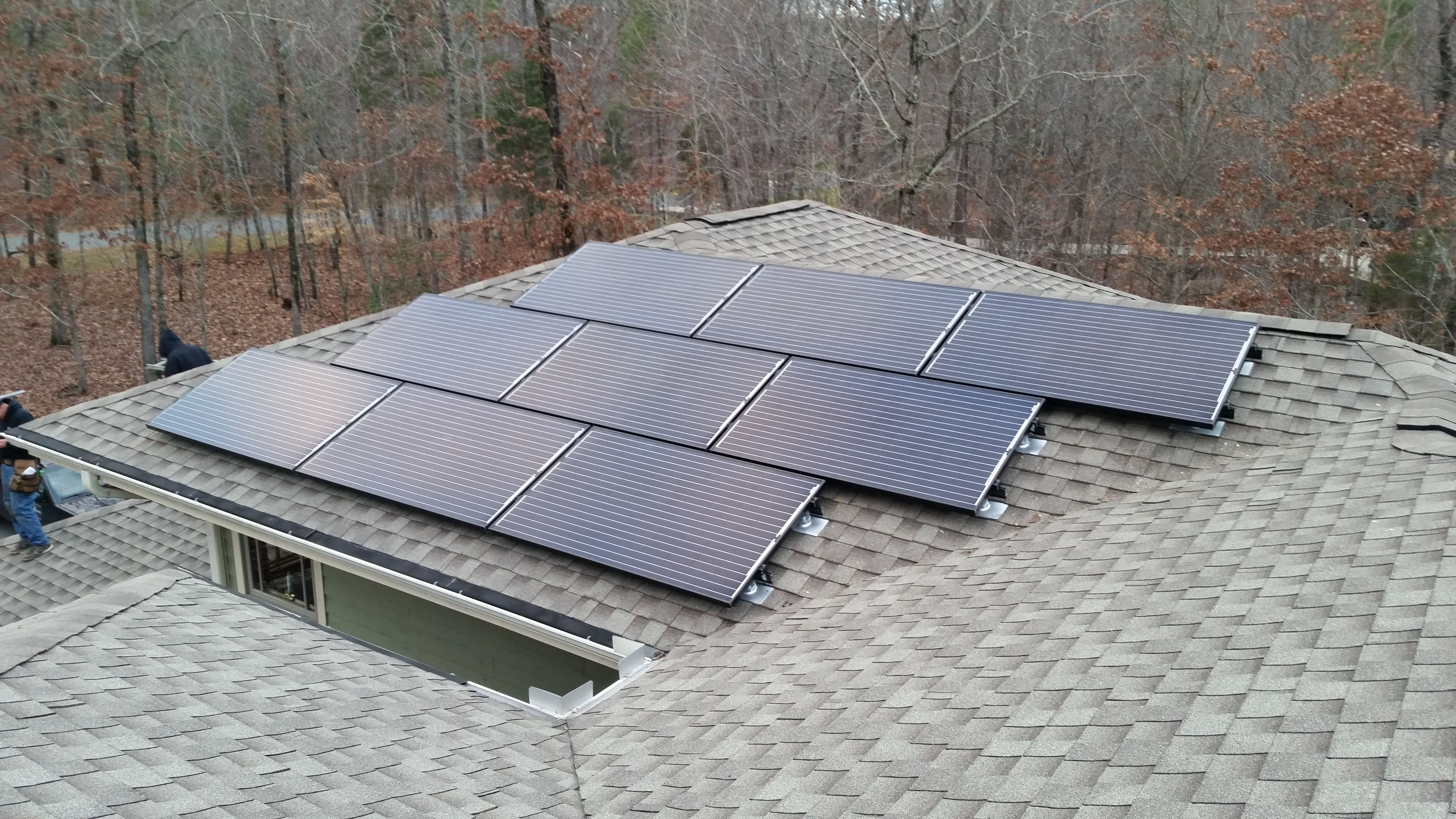 In Chapel Hill Nc We Installed 24 270 Watt Black On Black Suniva Solar Panels The Home Now Has A 6 48 Kw Solar Ar Solar Panels Roof Solar Panel Installation