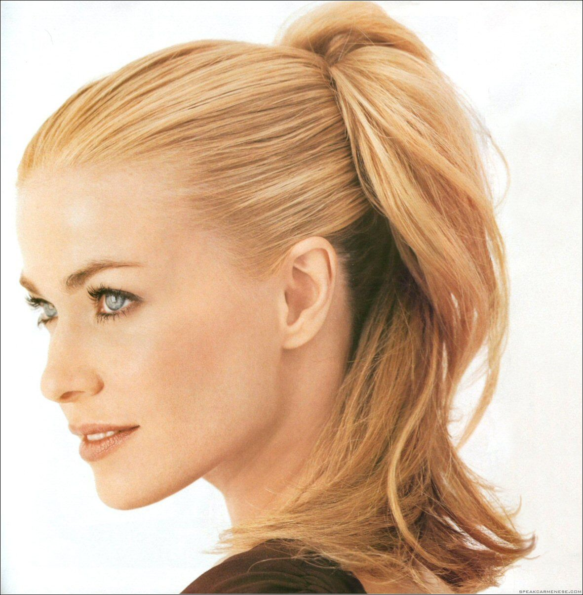How to get the look, smoothed hair into a ponytail. Then ...