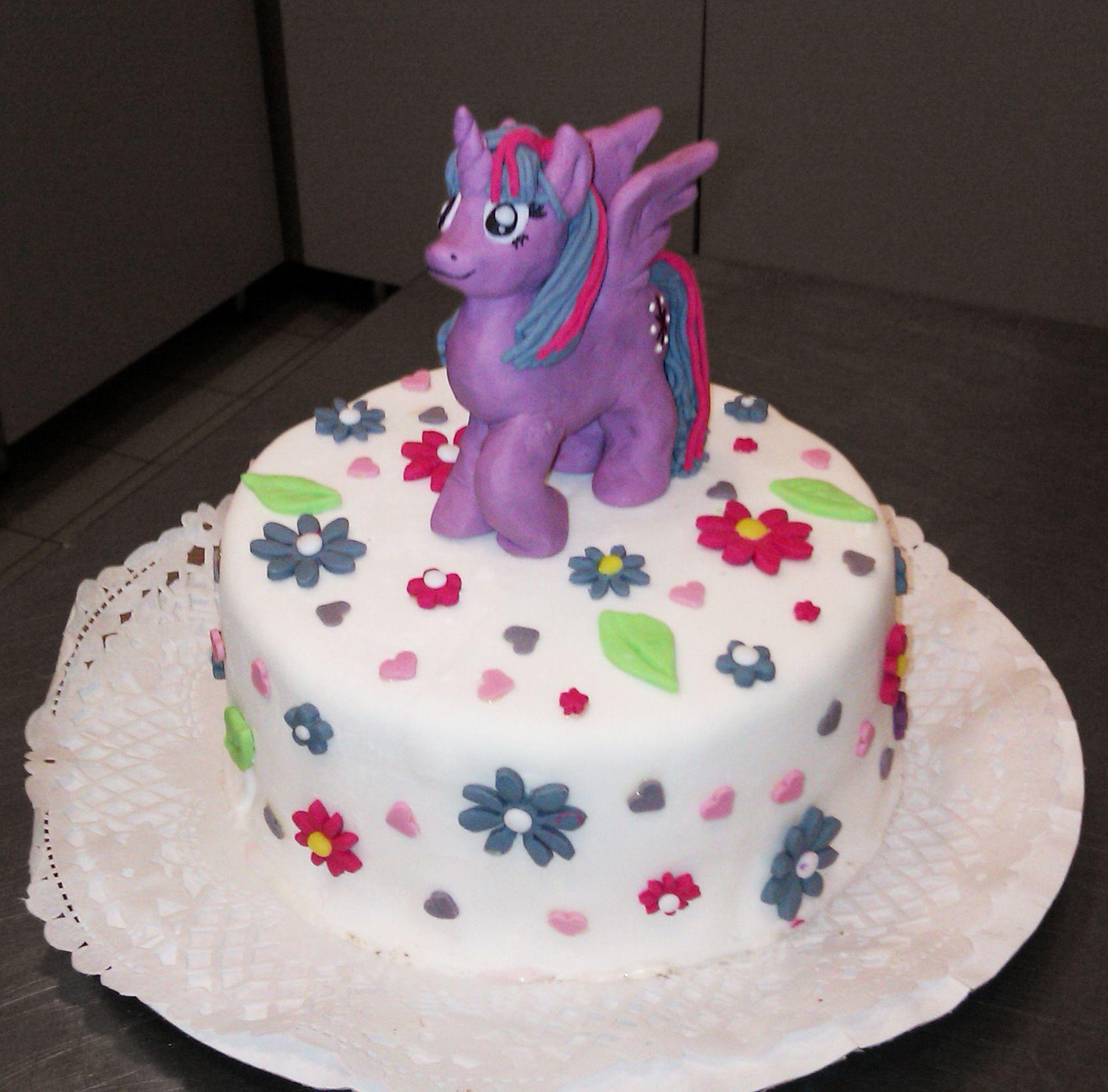 Twilight Sparkle birthday cake Food ideas Pinterest Birthday