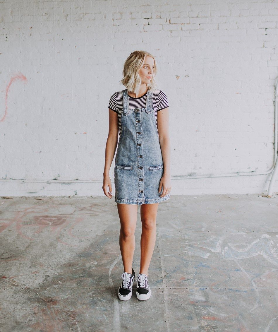 Black White And Denim All Over Dresses With Vans White Vans Outfit Platform Vans Outfit [ 1134 x 950 Pixel ]