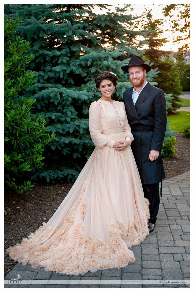 Daisy Dukes To A Orthodox Jewish Wedding? Are You Crazy
