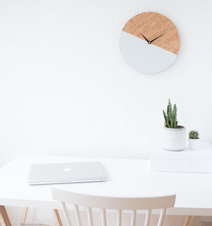 DIY Clock - Heute zeige ich euch wie man aus einer alten Wanduhr ganz einfach eine DIY Kork Wanduhr gestalten kann. Hier gehts zur Anleitung...