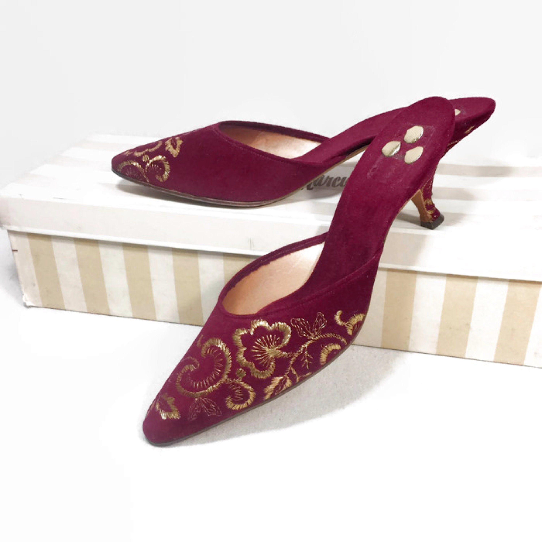 Vintage 50s 60s Crimson Red Velvet Gold Brocade High Heel Mules 1950s 1960s Dead Stock Kitten Heel Shoes Audrey Hepburn Style Sz 5 5 B In 2020 Heels Kitten Heel Shoes High Heel Mules