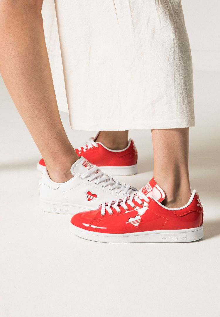 We asked real couples to try on the adidas Stan Smith