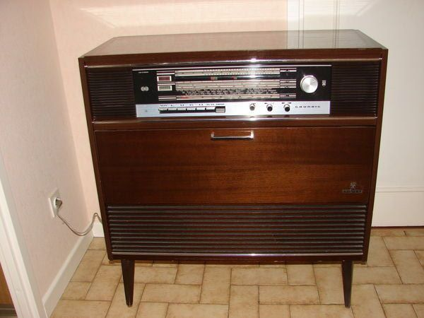 Radio Tourne Disque Vinyle Integre Dans Meuble 1970 Deco Vintage