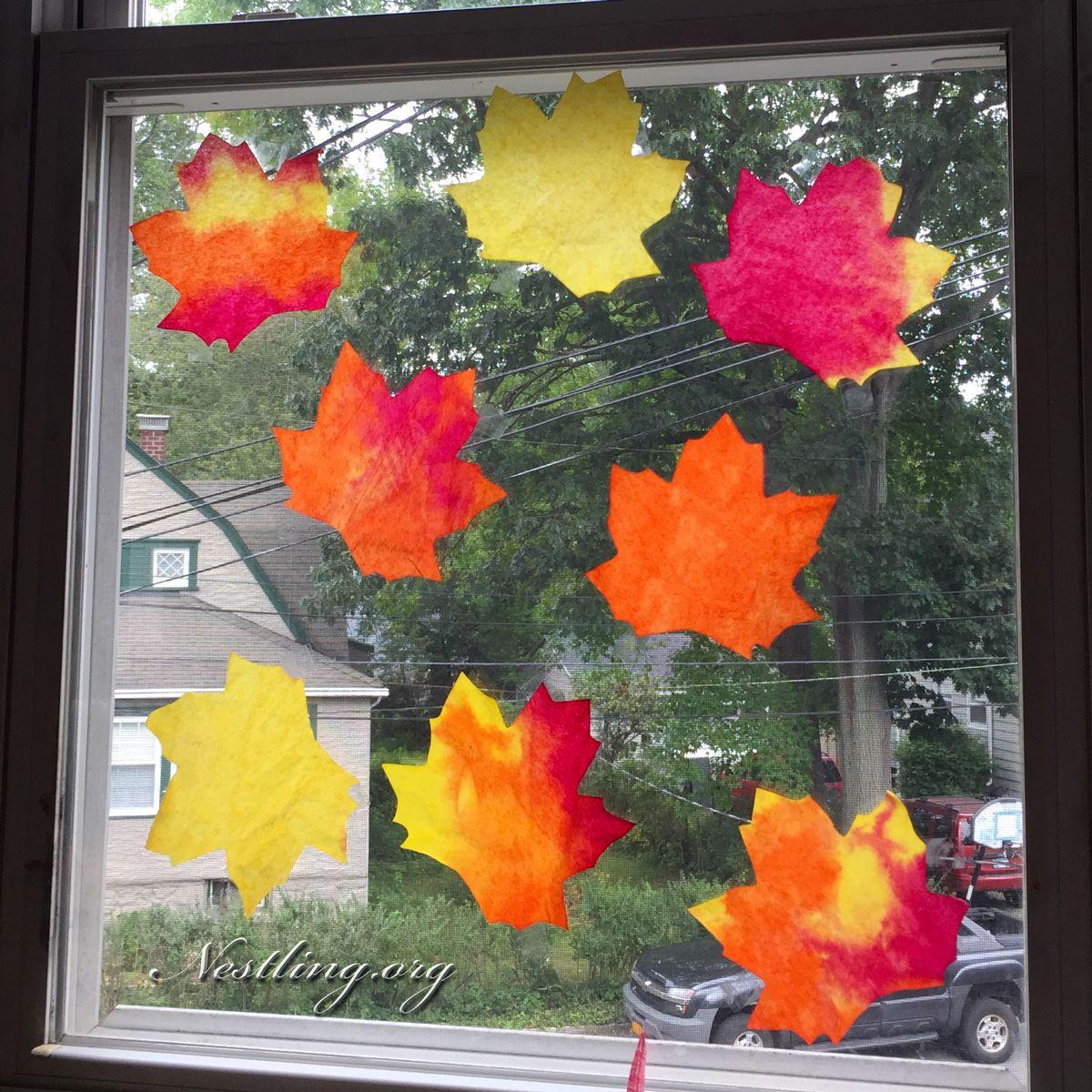 Blätter aus Kaffeefiltern Stanzen und mit Wasserfarbe bemalen